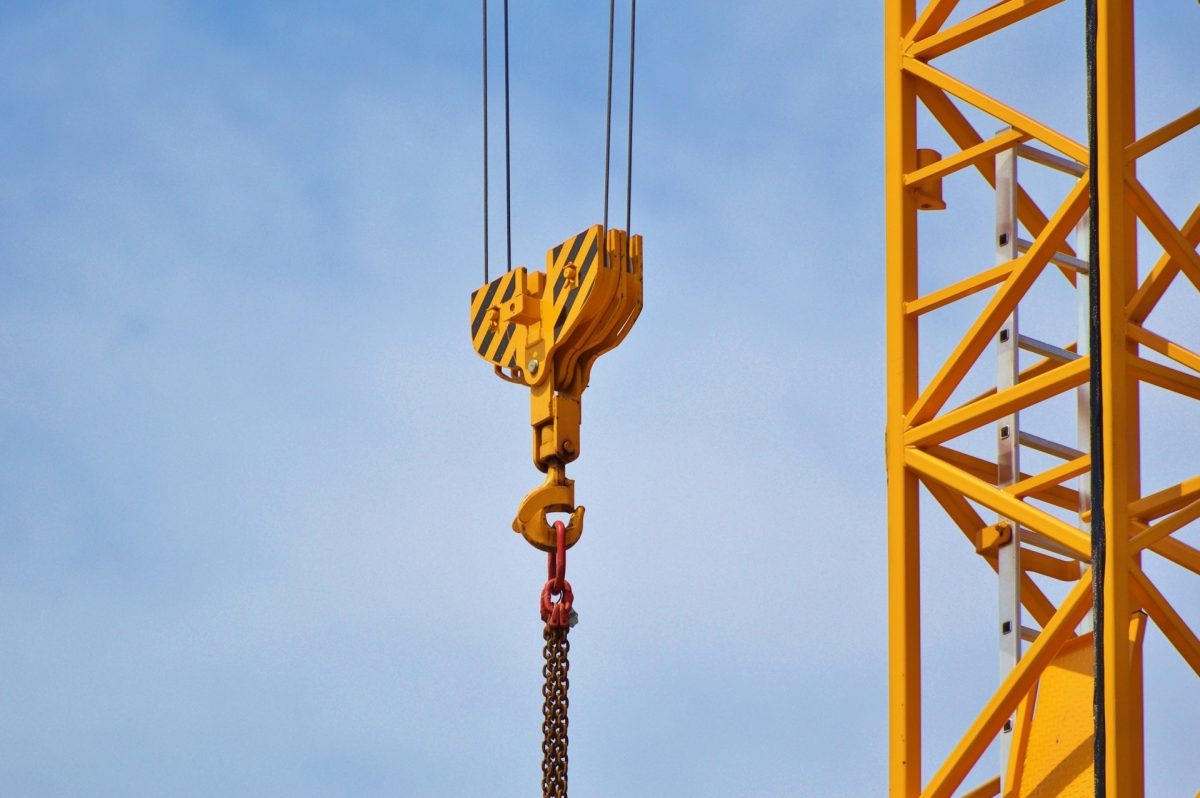Hiring a Crane For Your Renovations
